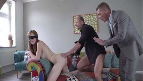 Glamkore - Linda Sweet gets a surprise threesome